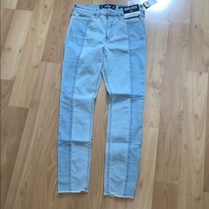 Two-Toned high waisted hollister skinny jeans